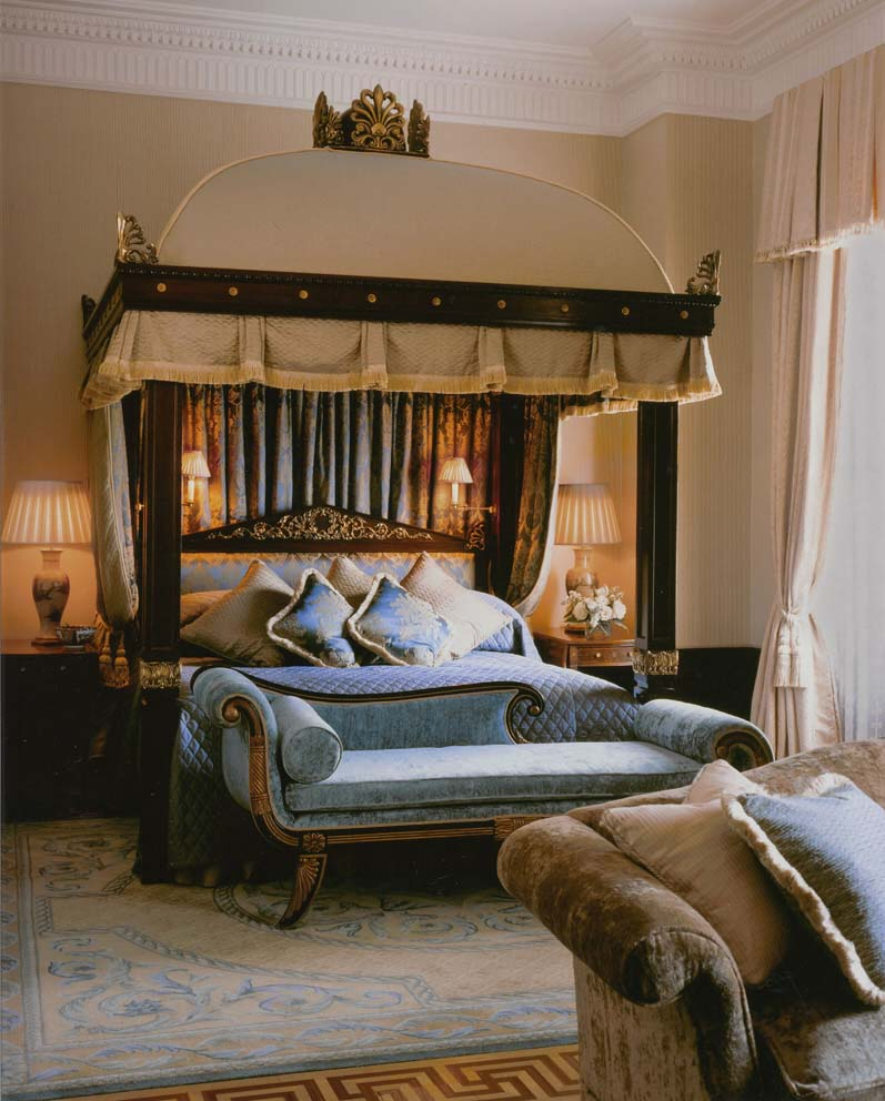 Medieval Royal Bedroomghantapic
