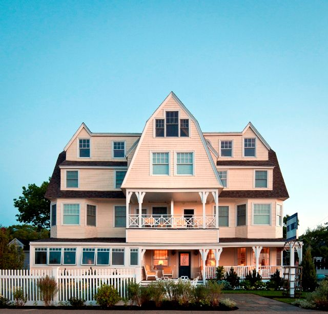 The Beach House Inn Kennebunkport Maine: Groovy Style At The Tides Beach Club In Maine