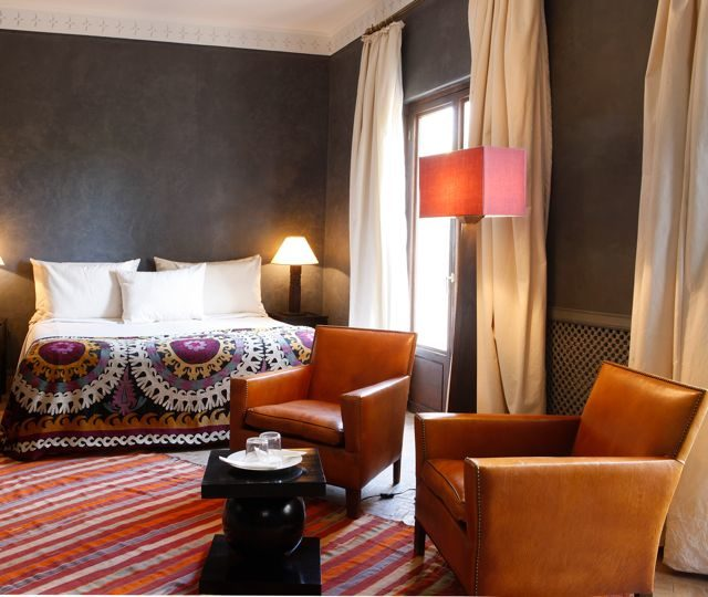 Designer Bedroom In Hotel Chic Grey: Modern Moroccan Furniture