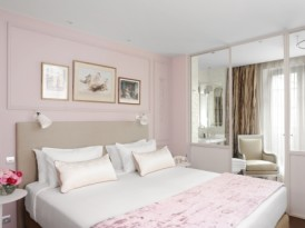 A Grown-Up Take on Pink at La Belle Juliette in Paris