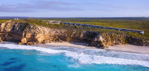 What oceans surround Australia?