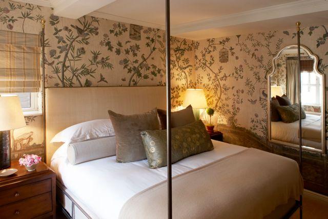 28043838-H1-Garden Suite Bedroom