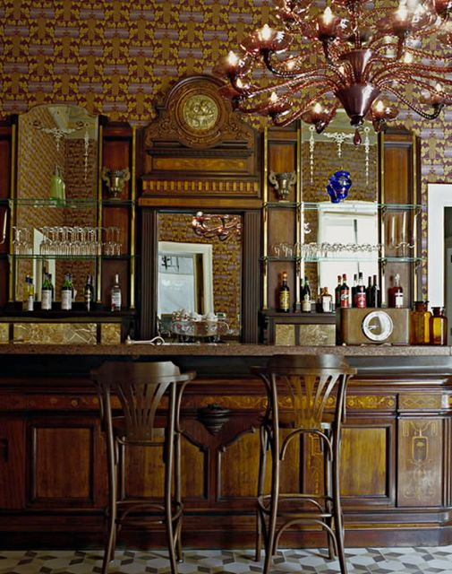 3-family-bar