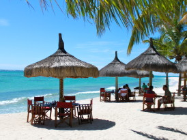 Beachside Lunch in Mauritius at Dinarobin
