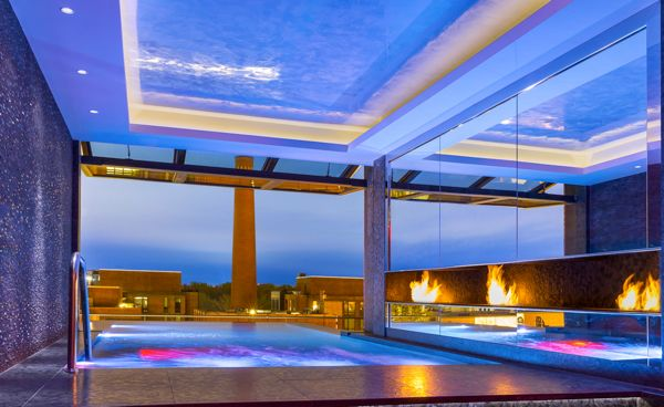 21_Capella_Georgetown_Rooftop_Pool_Inside